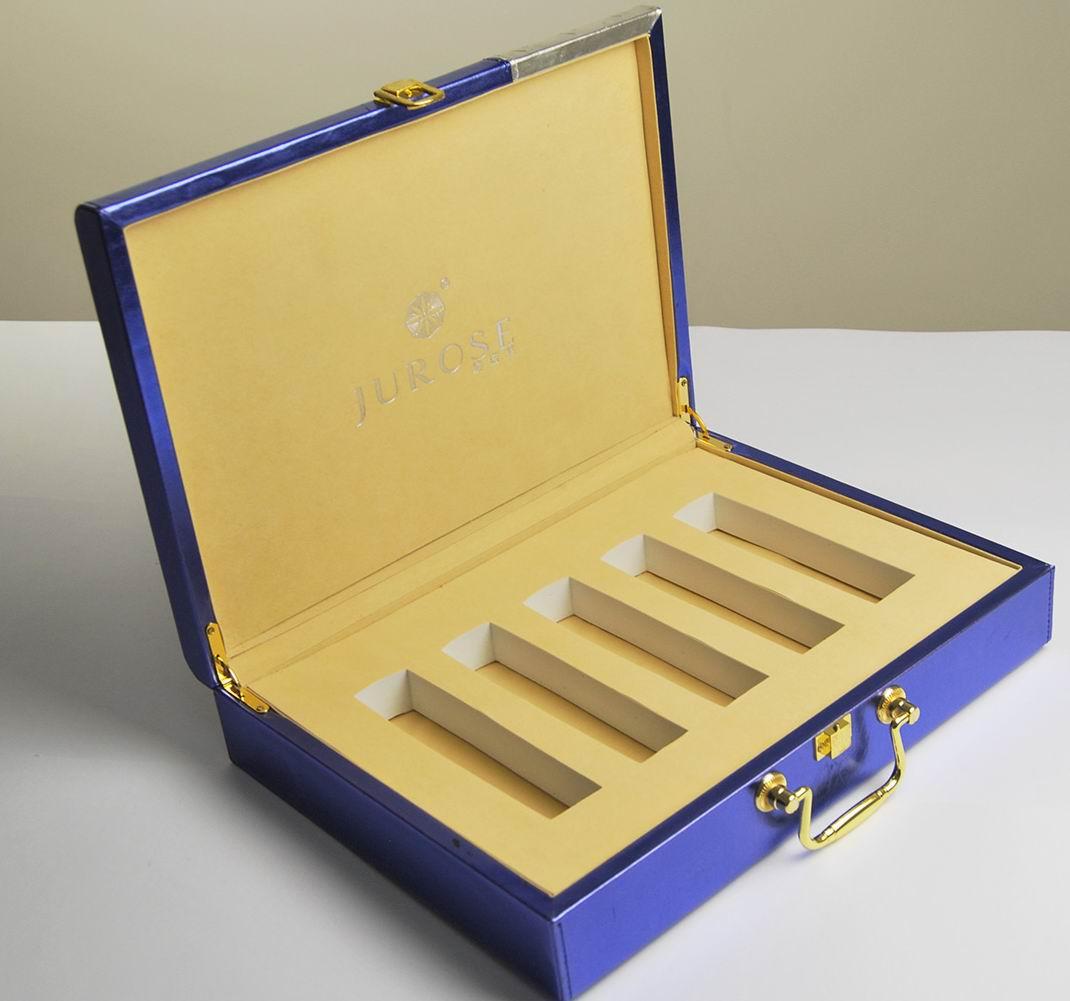高档护肤品包装礼盒 CZ-C008
